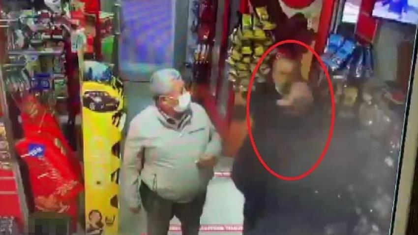 Bursa'da boğazına bıçak dayadı