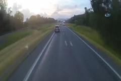 İki araç da takla attı