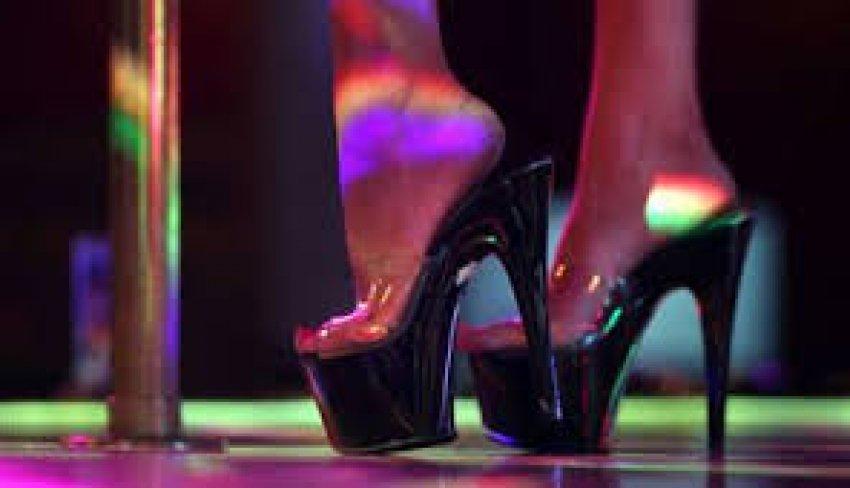 Askeri striptiz!  3 milyon dolarlık skandal