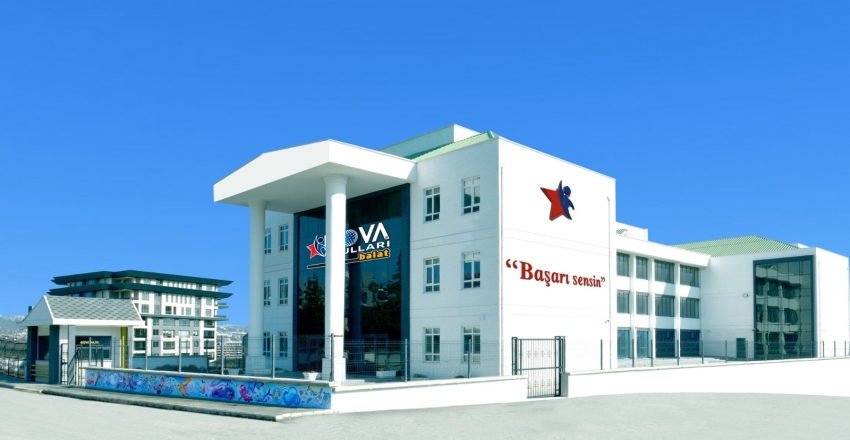 Nova Okulları Balat'a taşındı