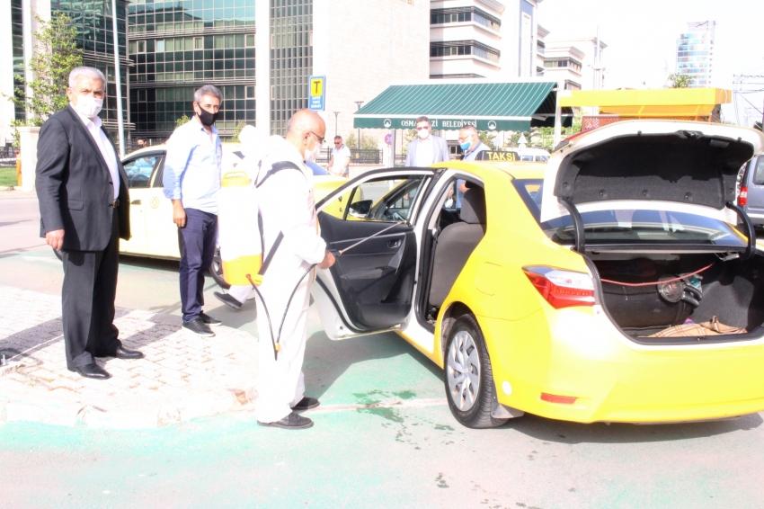 Bursa'da taksilerin dezenfeksiyonu devam ediyor