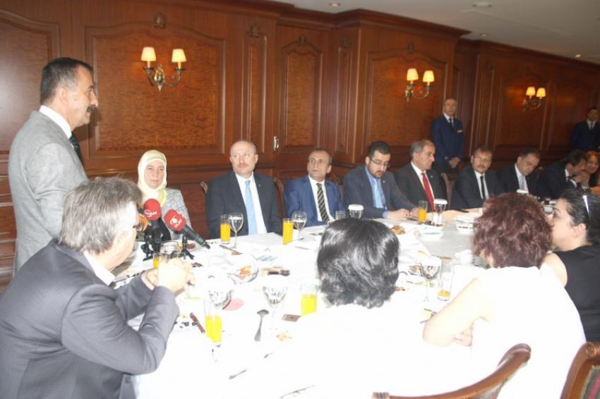Bursa milletvekilleri Bursa Barosu'nda