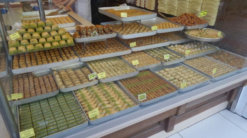 Bursalılar bayramda baklavadan vazgeçmiyor (ÖZEL HABER)
