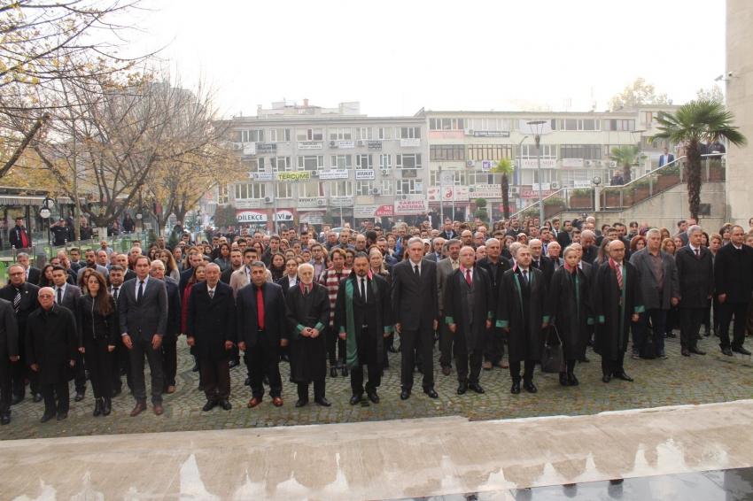 Altun'dan Atatürk'e: Sen, karanlıkları delen yıldızımızsın!
