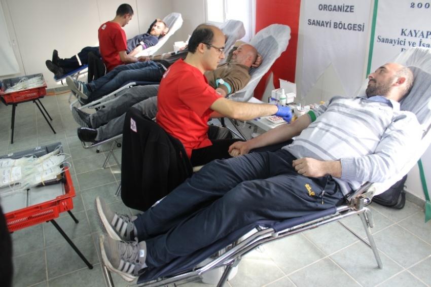 KSİAD kan bağışlamaya devam ediyor