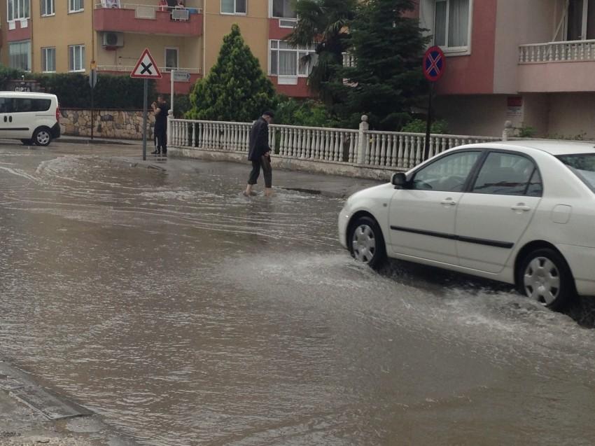 Bursa'da şiddetli yağmur ve dolu şoku