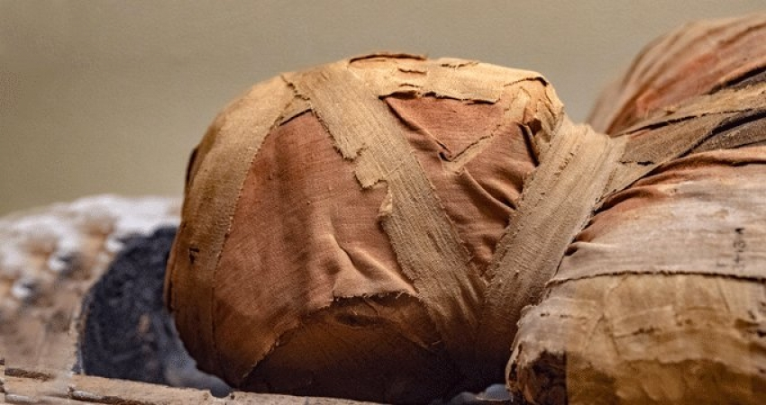 İnanılmaz olay! 3 bin yıllık mumya konuştu