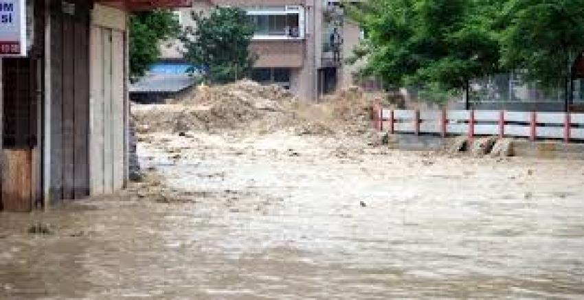 Sel felaketi! Baba ile kızı sel sularında boğuldu
