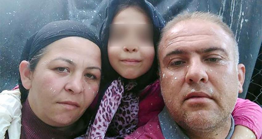 1 saat boyunca annesinin cesedinin yanında babasını bekledi