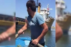 İpe dolanan martıyı balıkçılar böyle kurtardı
