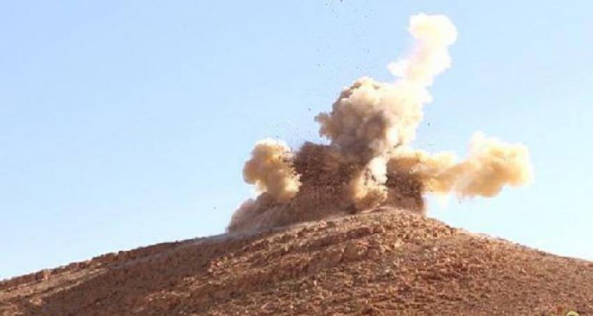 IŞİD antik eserleri yerle bir ediyor!