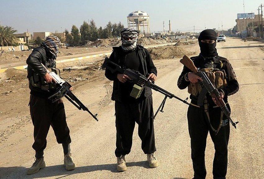 Afganistan'da Taliban ile DAEŞ çatıştı