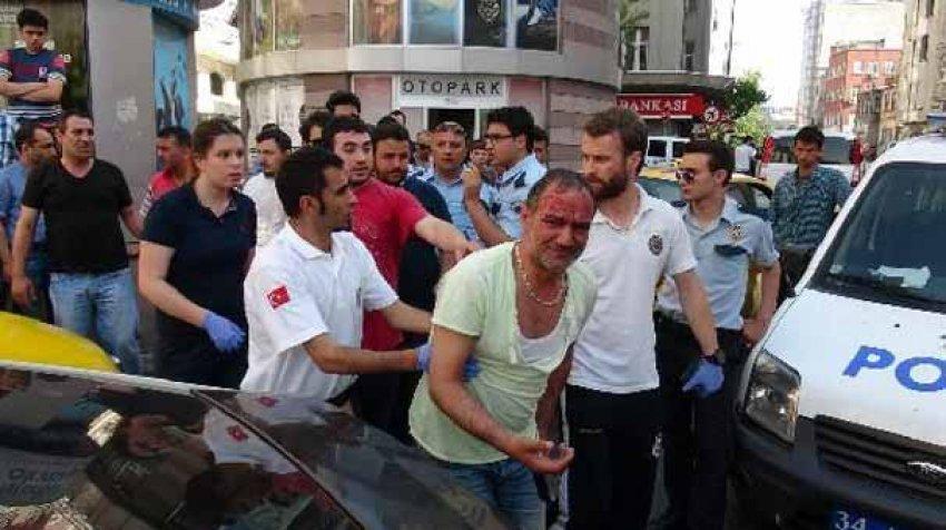 İstanbul'un göbeğinde öldüresiye dövdüler
