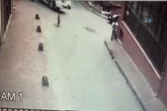 Kamyonet dehşeti: 2 yaşındaki çocuk ezildi