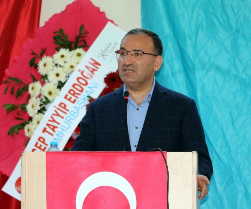 """""""Kılıçdaroğlu'nun çapı Türkiye'yi yönetmeye yetmez"""""""