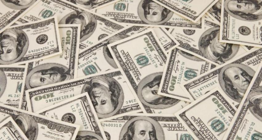 Koalisyon görüşmeleri ve Yunanistan doları etkiledi