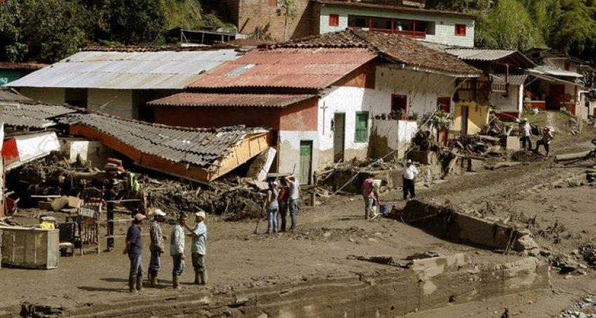Kolombiya'da toprak kayması: En az 58 ölü