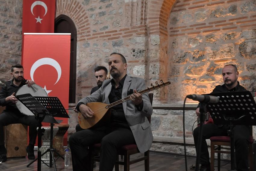 Osmangazi'de türkü dolu gece