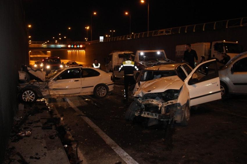 Konya'da zincirleme kaza: 3'ü polis...