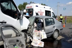 Korkunç kaza: 3 ölü, 3 yaralı!