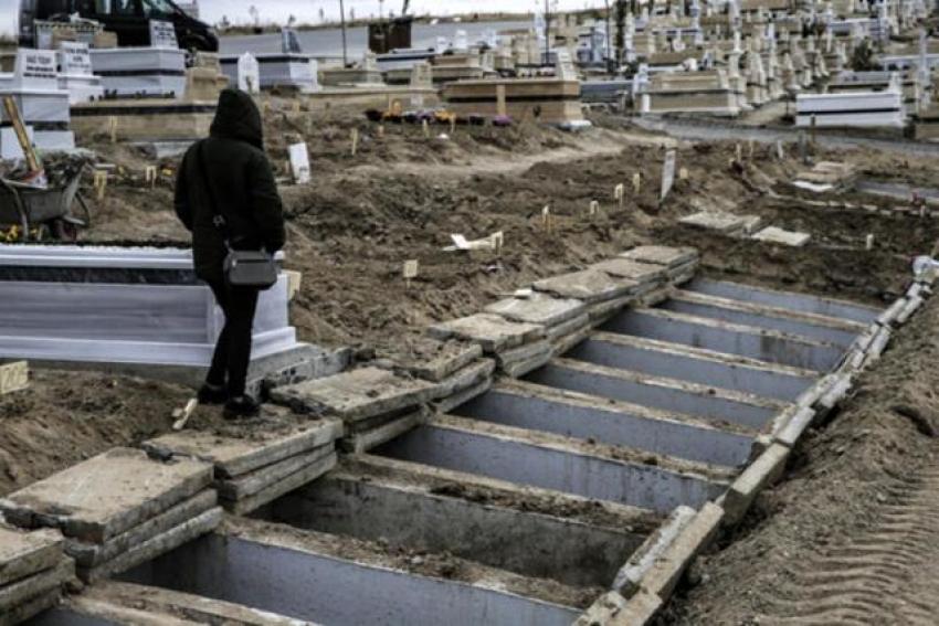 O kentimizde virüsten ölümler için yeni mezarlar açılıyor