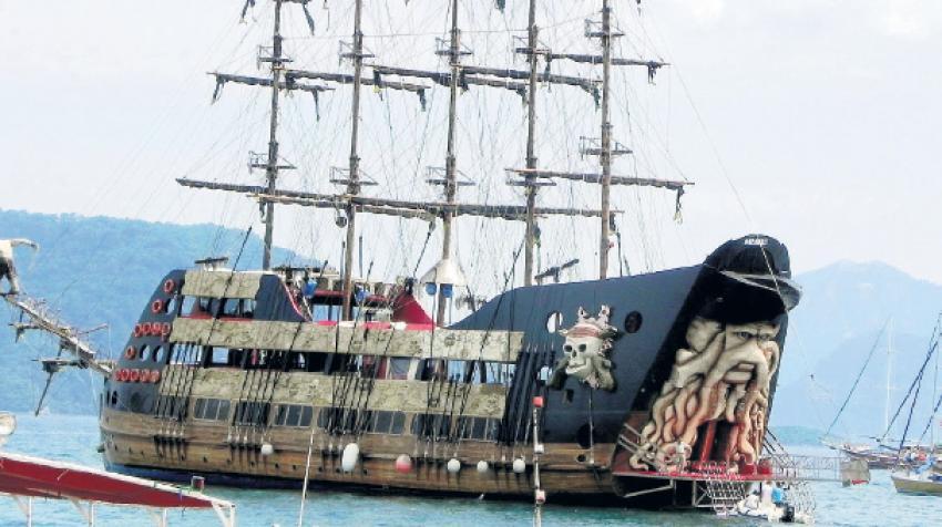 Korsan gemisi kavgası