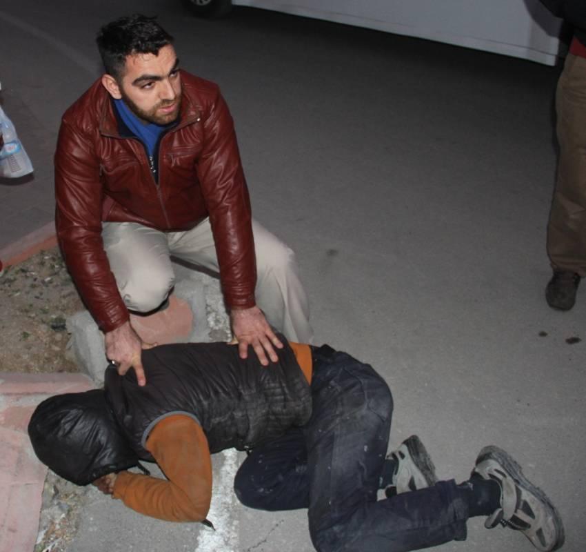 Kovaladı, yakaladı, polise teslim etti