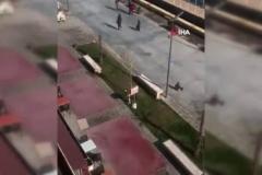 Küçük çocukları dilendiren şahıslar vatandaş kamerasında
