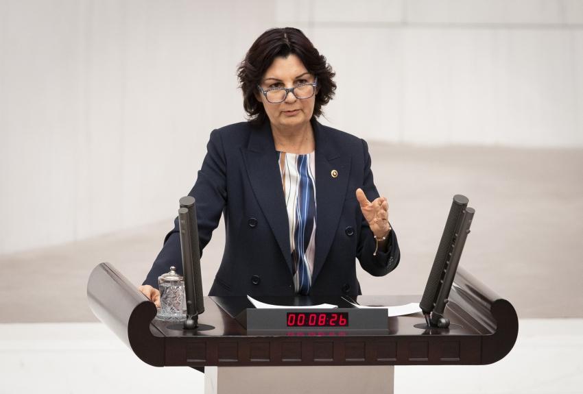 CHP Bursa Milletvekili Karabıyık, eğitim alanında yaşanan sorunları gündeme getirdi