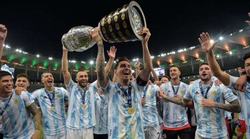 Messi'nin kupalı paylaşımı rekor beğeni alarak tarihe geçti