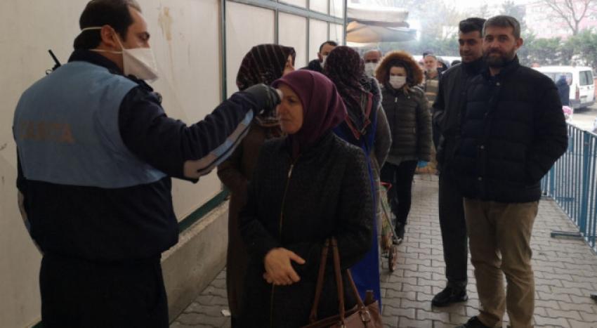 Bursa'da pazar yerlerinde virüs önlemi