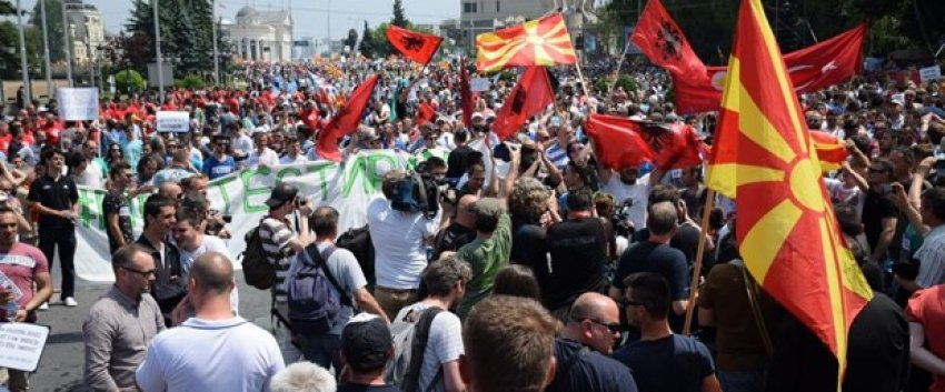Makedonya'da istifa sesleri
