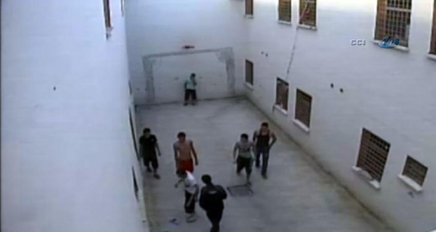 Çocuk cezaevinde ölüme götüren dayak