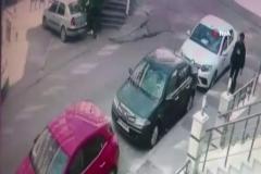 Maltepe'de güpegündüz silahlı çatışma kamerada