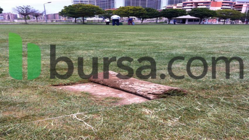Bursaspor'un çimleri sökülmeye başlandı