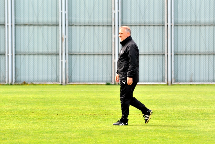 Bakkal, Bursaspor ile ilk antrenmanına çıktı