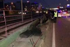 Metro duvarına çarpan araç trafiği felç etti