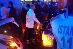 Metrobüs yoluna araç girdi: Yaralılar var