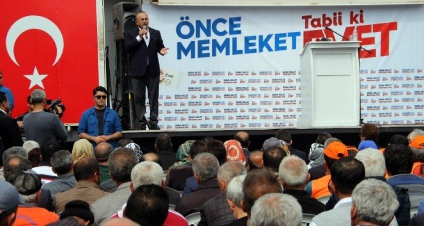 Çavuşoğlu: 'Aç tavuk kendisini buğday ambarında görür'