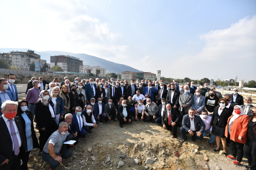 Osmangazili muhtarlar Bursa'nın en büyük meydanında