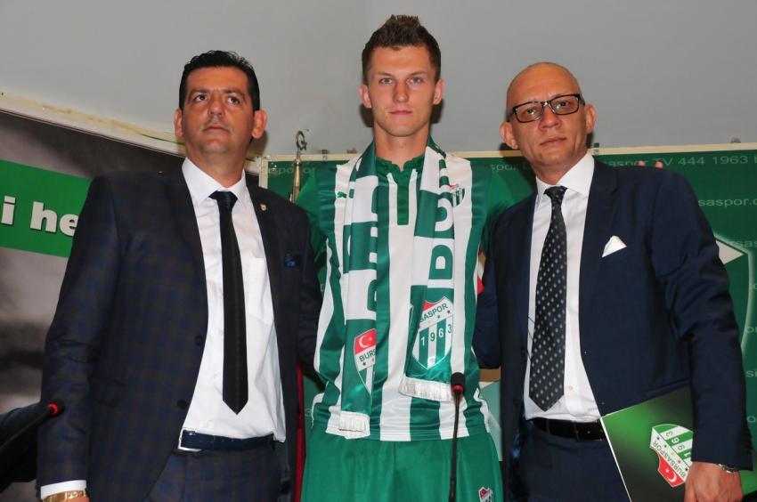 Bursaspor Tomas Necid ile imzaladı