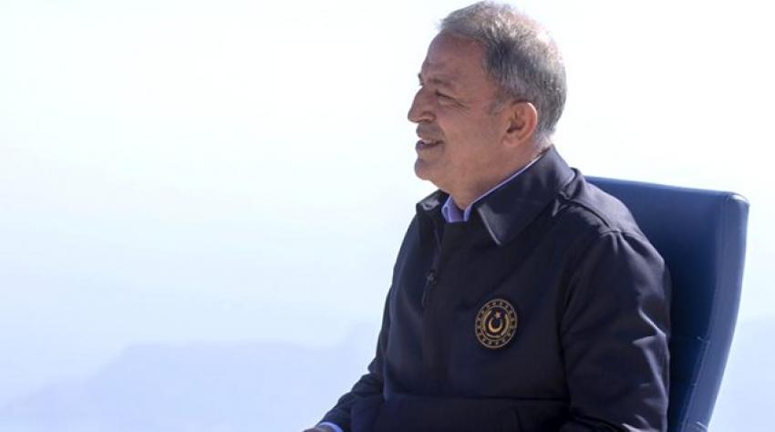 Milli Savunma Bakanı Akar dede oldu