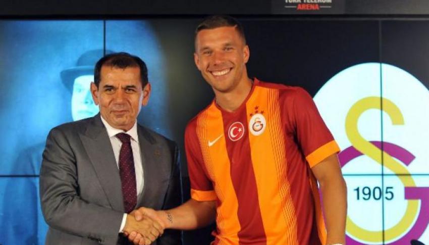 Podolski Galatasaray'la imzaladı