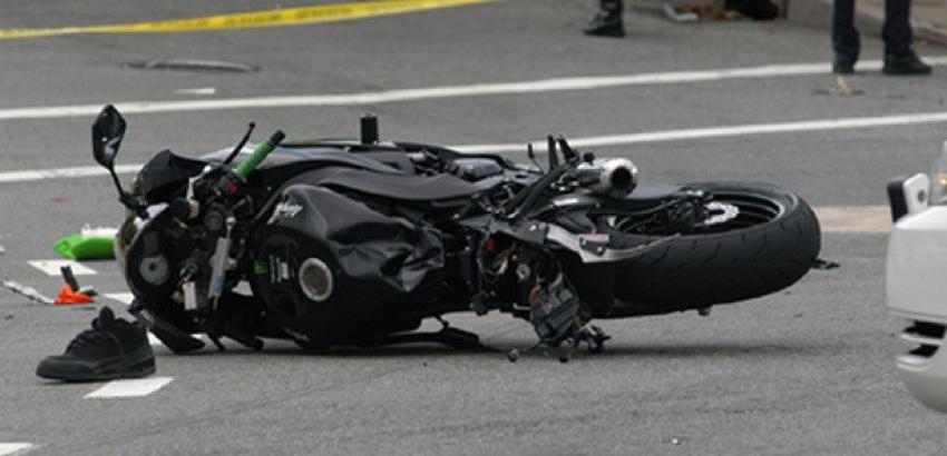 İki motosiklet çarpıştı; 1 ölü 1 yaralı