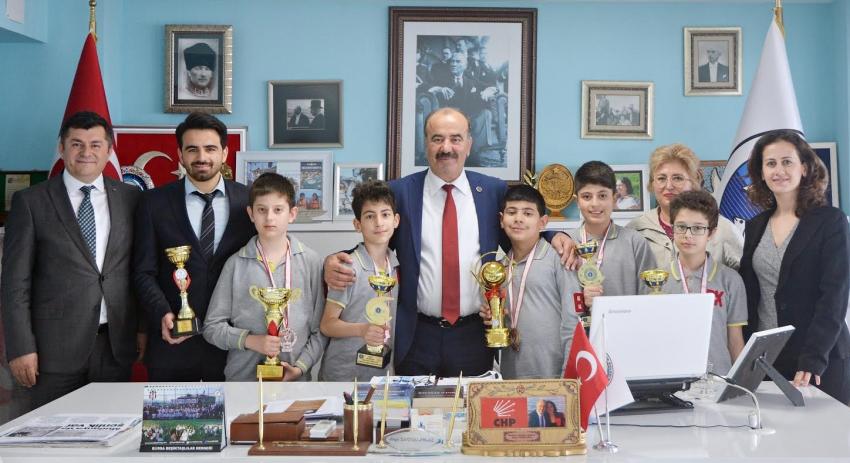 Mudanyalı satranççılardan Türkyılmaz'a ziyaret