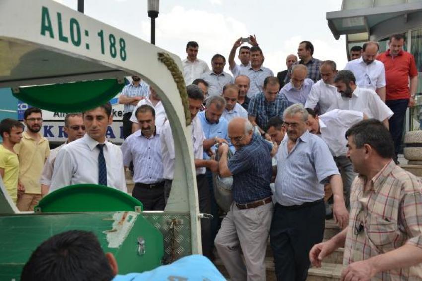 Müftü, rektör ziyareti sırasında kalp krizi geçirip öldü