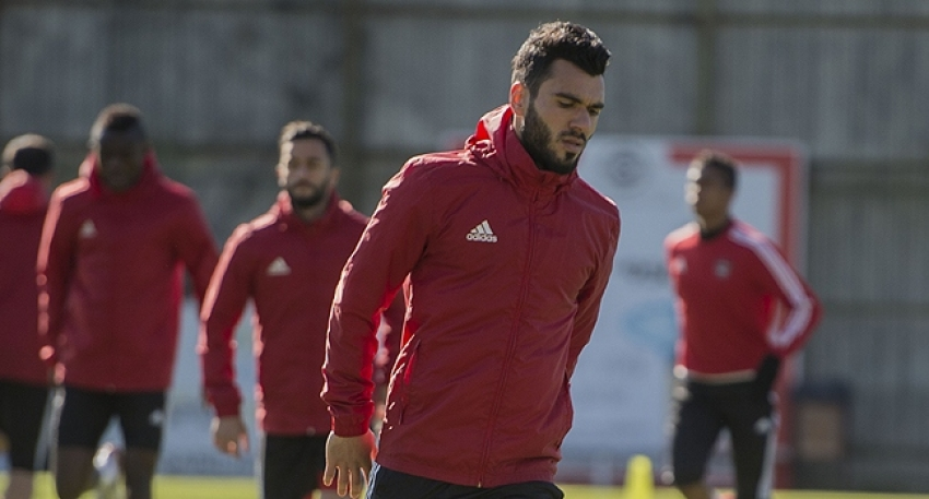 Bursaspor'un ilk transferi Mustafa Durak oldu!