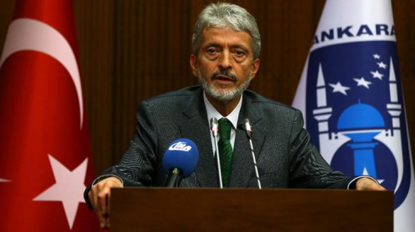 Mustafa Tuna Belediyedeki tüm bürokratların istifasını istedi