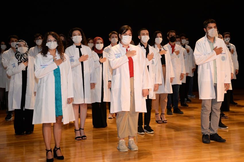 Uludağ Üniversitesi Diş Hekimliği Fakültesi'nde ilk akademik yıl başladı
