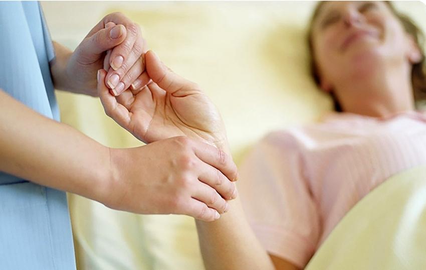 Omurilik felcinde erken rehabilitasyon önemli